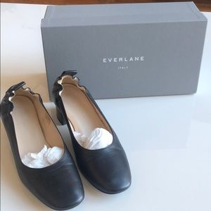 Everlane Genuine leather flats.